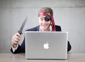 Эксперты посоветовали Apple и Microsoft блокировать пиратский контент на уровне ОС