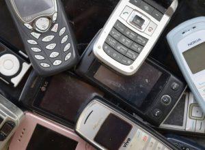 В кнопочных телефонах обнаружили тайную отправку SMS на платные номера